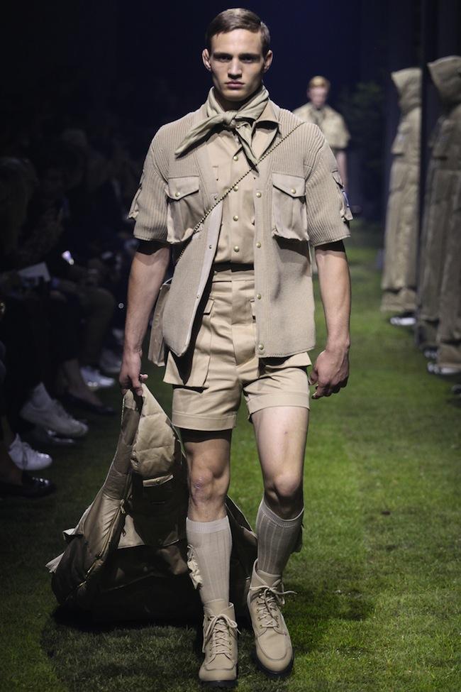 Monclerc gamme bleue look boy scout en culotte courte et chaussettes hautes