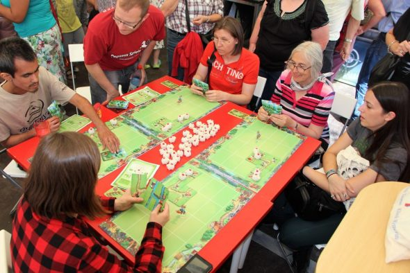 Gruppe spielt Sheep & Thiefs