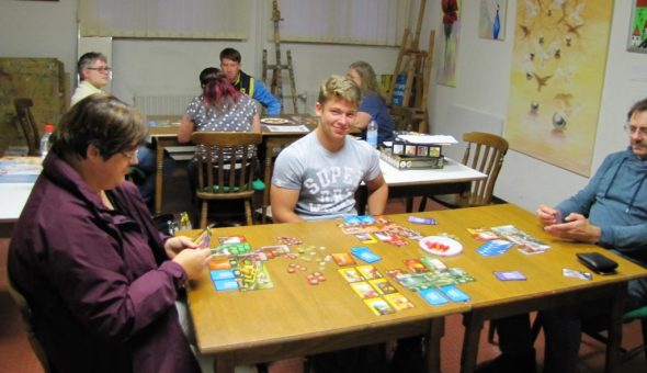 7-Wonders-Turnier, zwei Tische und zwei Gruppen