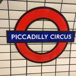 Σύμβολο Piccadilly Circus από τη Wikimedia Commons (Darkpurplemoney) (Own work) [CC BY-SA 4.0]
