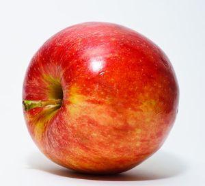 Κόκκινο Μήλο By Abhijit Tembhekar from Mumbai, India (Nikon D80 Apple) [CC BY 2.0 (http://creativecommons.org/licenses/by/2.0)], via Wikimedia Commons