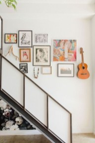 Awesome Gallery Wall Design Ideas 22