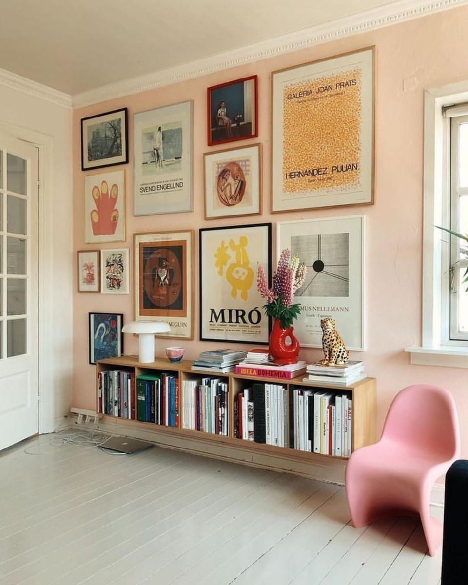 Awesome Gallery Wall Design Ideas 29