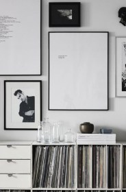 Awesome Gallery Wall Design Ideas 30
