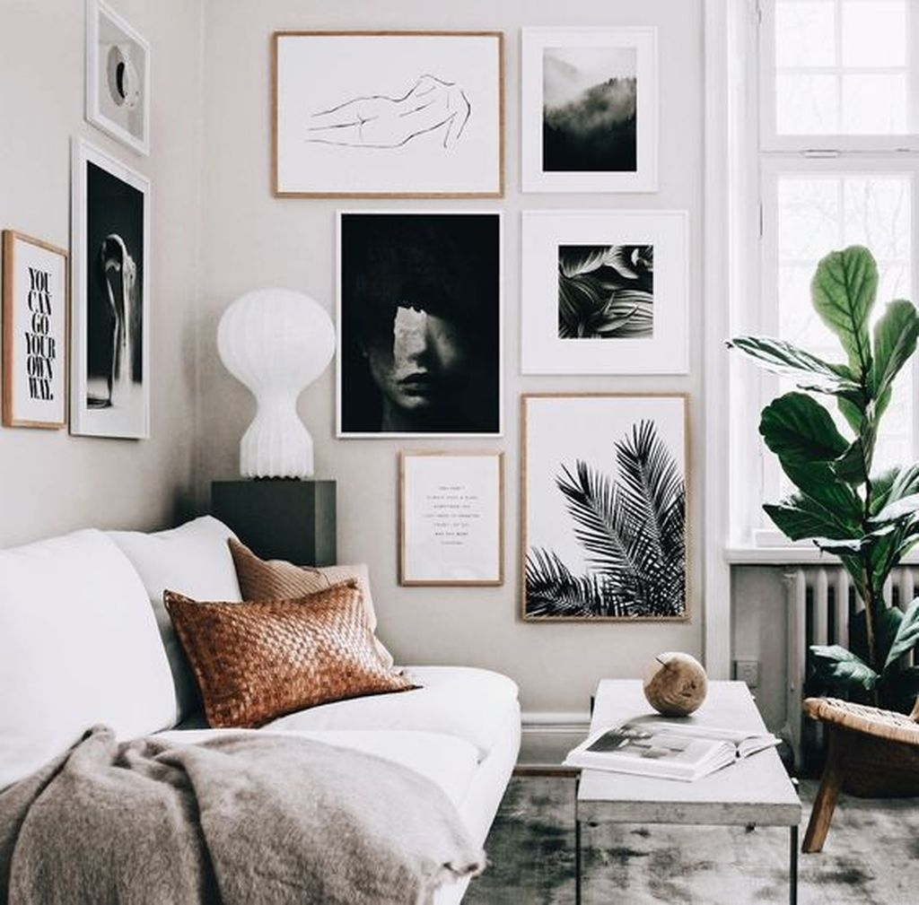 Awesome Gallery Wall Design Ideas 35