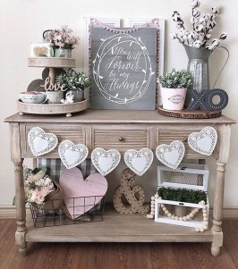 Beautiful Valentine Wall Decor And Color Ideas 15