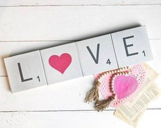 Beautiful Valentine Wall Decor And Color Ideas 22