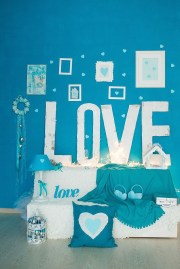 Beautiful Valentine Wall Decor And Color Ideas 35