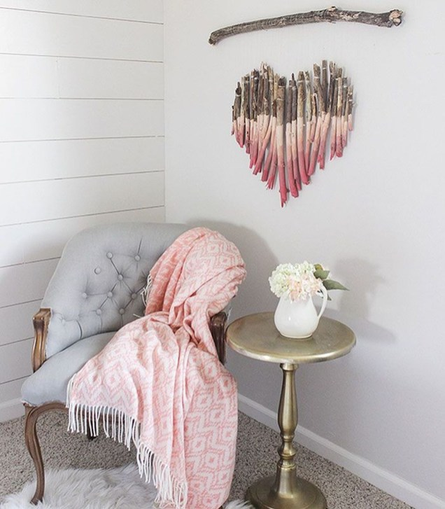 Beautiful Valentine Wall Decor And Color Ideas 46