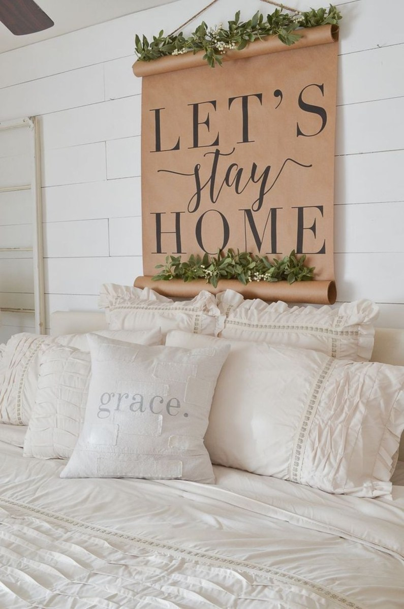 Lovely Winter Master Bedroom Decorations 09