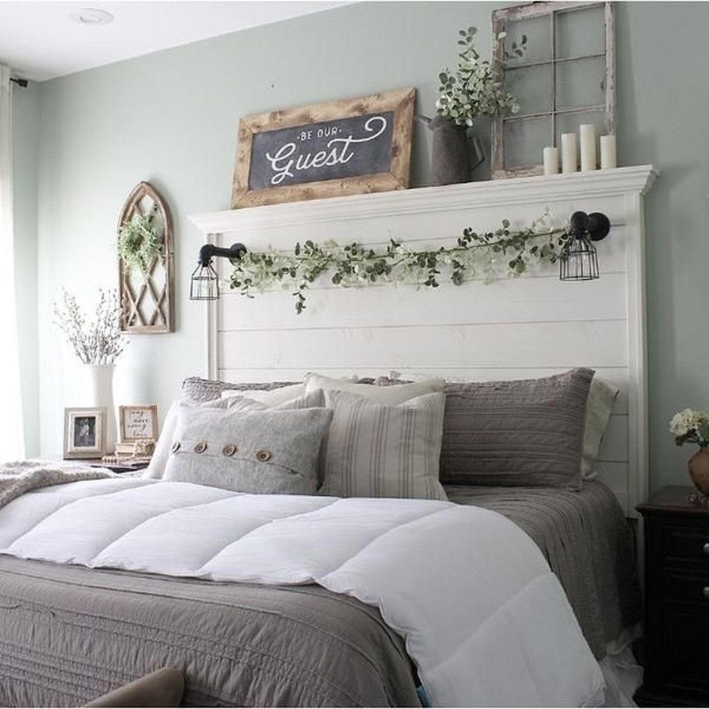 Lovely Winter Master Bedroom Decorations 11