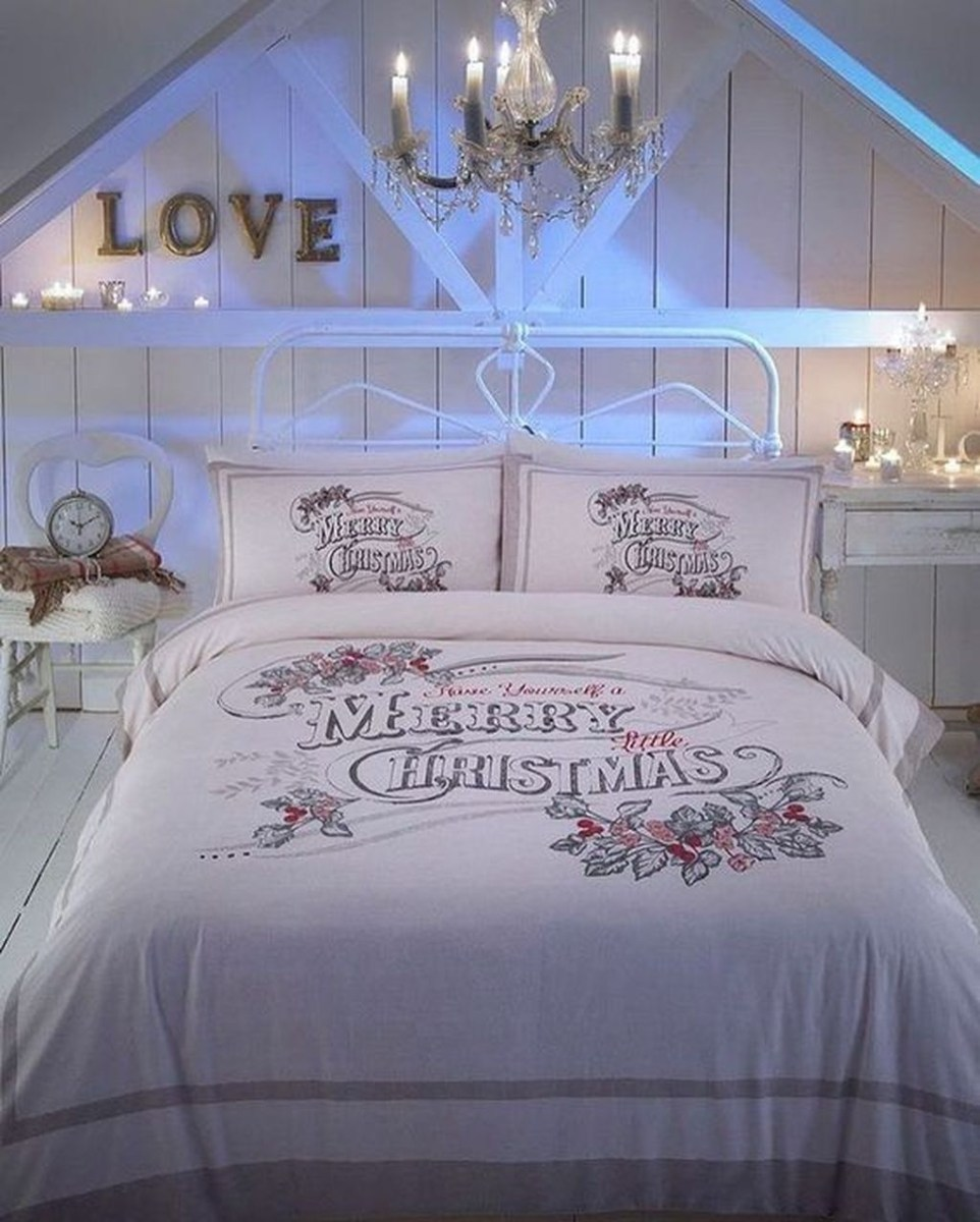 Lovely Winter Master Bedroom Decorations 38