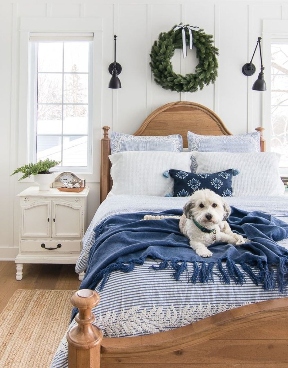 Lovely Winter Master Bedroom Decorations 39