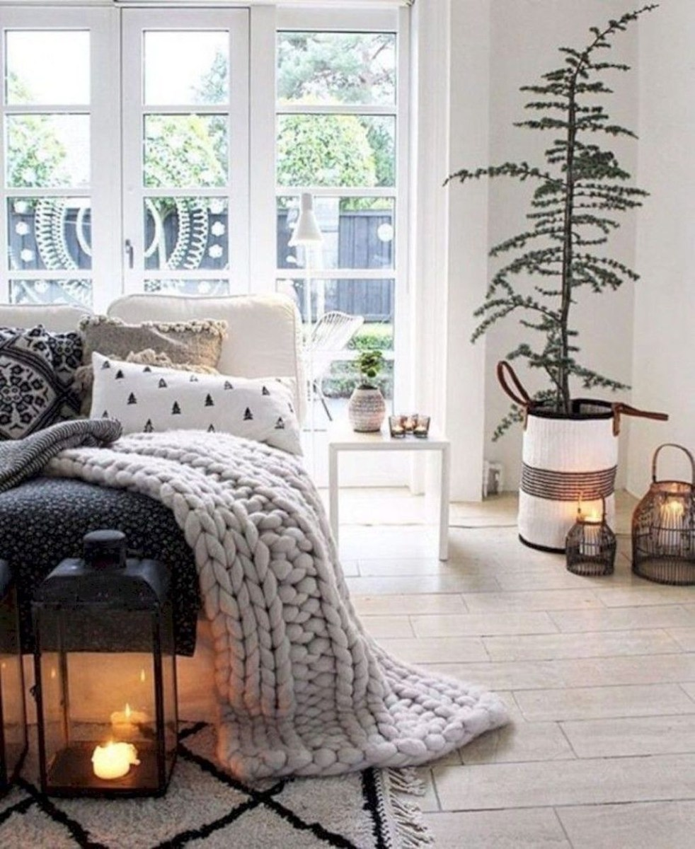 Lovely Winter Master Bedroom Decorations 44