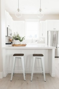 Stunning White Kitchen Design Ideas 17