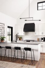 Stunning White Kitchen Design Ideas 22