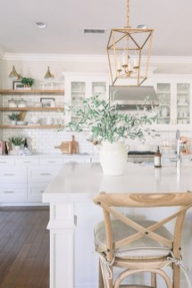 Stunning White Kitchen Design Ideas 25