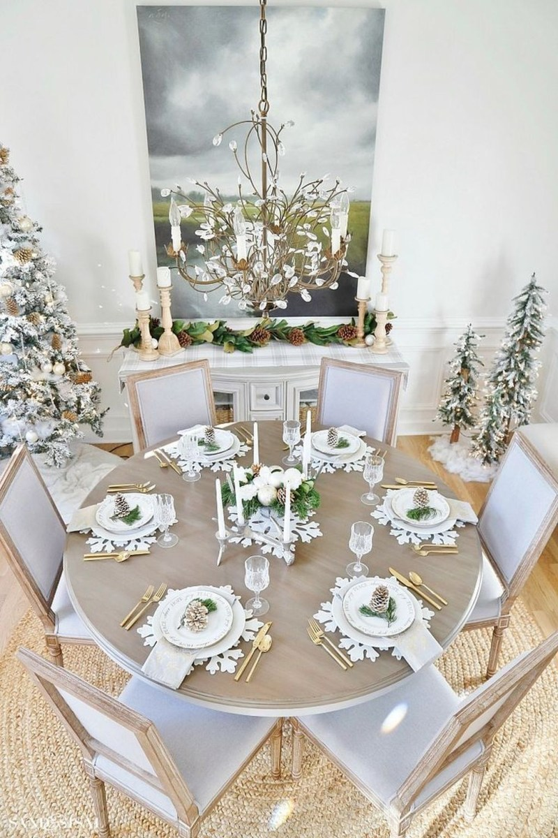 Winter Dining Room Decoration Ideas On Your Table 17