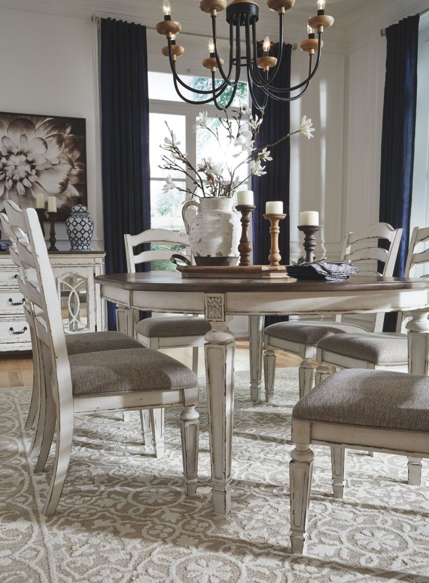 Winter Dining Room Decoration Ideas On Your Table 18