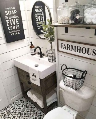 Affordable Farmhouse Bathroom Design Ideas 06