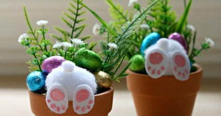 Amazing Bright And Colorful Easter Table Decoration Ideas 05