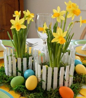 Amazing Bright And Colorful Easter Table Decoration Ideas 11