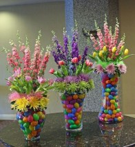 Amazing Bright And Colorful Easter Table Decoration Ideas 32