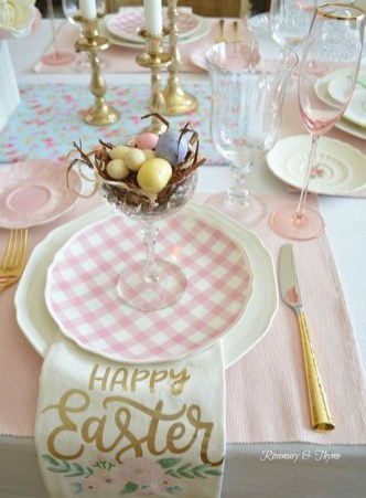 Amazing Bright And Colorful Easter Table Decoration Ideas 36