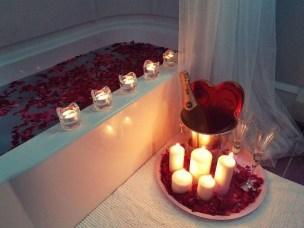 Cute Bathroom Decoration Ideas With Valentine Theme 25