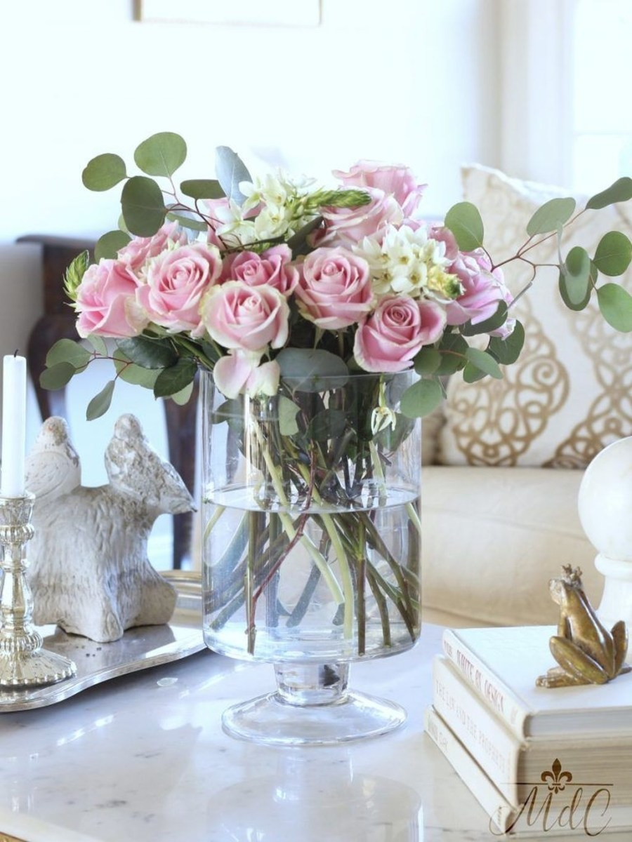 Cute Valentine Decoration For Your Living Room 09