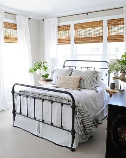 Gorgeous Guest Bedroom Decoration Ideas 09