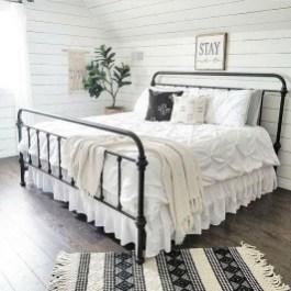 Gorgeous Guest Bedroom Decoration Ideas 11