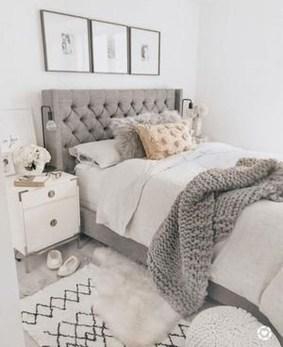 Gorgeous Guest Bedroom Decoration Ideas 36