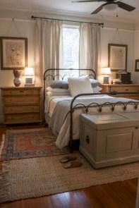 Gorgeous Guest Bedroom Decoration Ideas 42