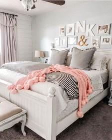 Lovely Valentine Master Bedroom Decor Ideas 02