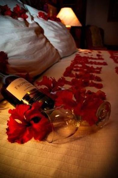 Lovely Valentine Master Bedroom Decor Ideas 08