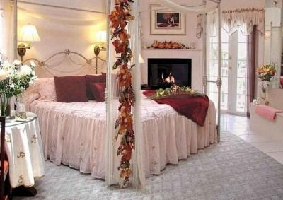 Lovely Valentine Master Bedroom Decor Ideas 28