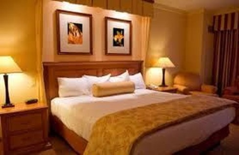 Lovely Valentine Master Bedroom Decor Ideas 32