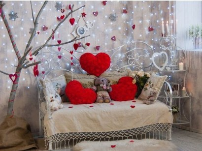 Romantic Valentine Home Decoration Ideas To Warm Your Relationship 08