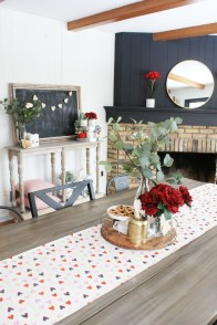 Romantic Valentine Home Decoration Ideas To Warm Your Relationship 26