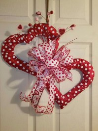Romantic Valentine Home Decoration Ideas To Warm Your Relationship 36