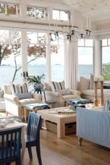 Stunning Coastal Living Room Decoration Ideas 16
