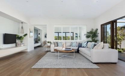 Stunning Coastal Living Room Decoration Ideas 25