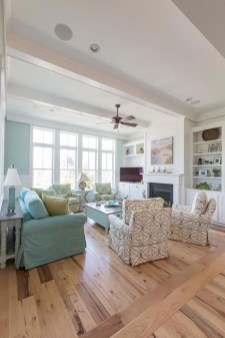 Stunning Coastal Living Room Decoration Ideas 29