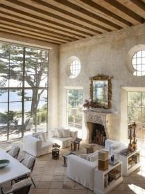 Stunning Coastal Living Room Decoration Ideas 45