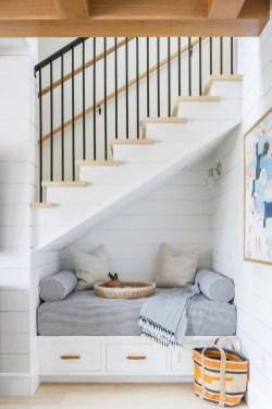 Stunning Coastal Living Room Decoration Ideas 47
