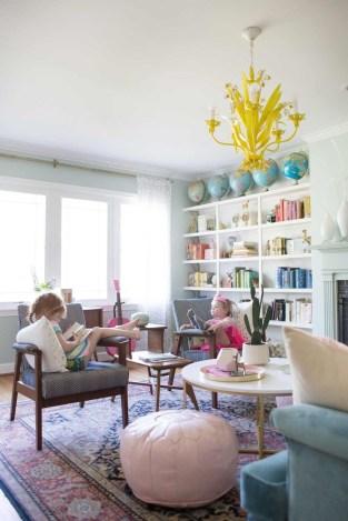 Stunning Family Friendly Living Room Ideas 15