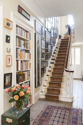 Stunning Modern Entryway Design Ideas 35