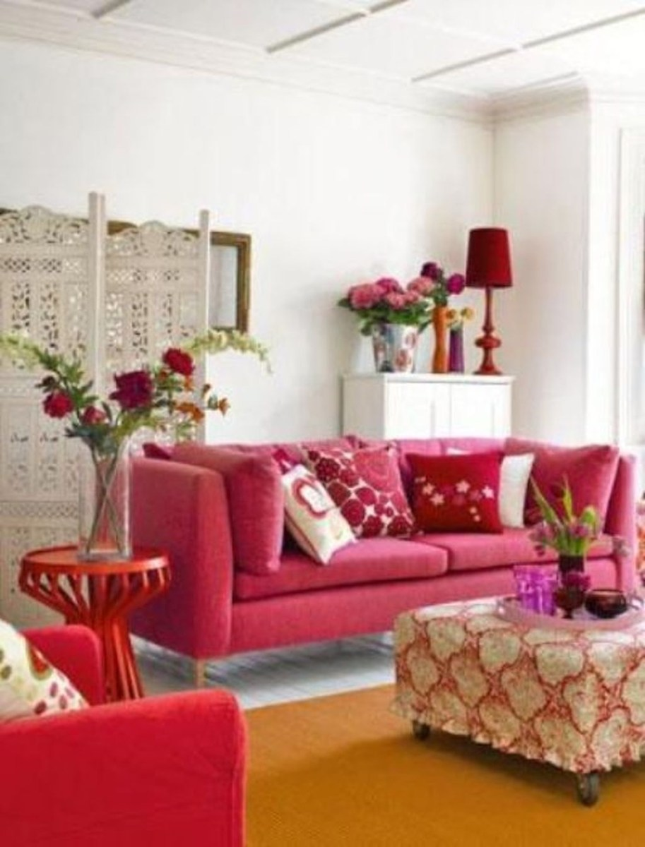 Sweet Living Room Decor Ideas With Red Color For Valentines Day 14