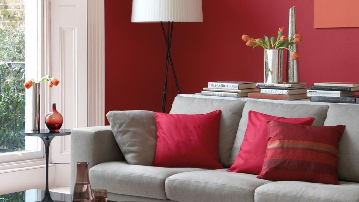 Sweet Living Room Decor Ideas With Red Color For Valentines Day 42